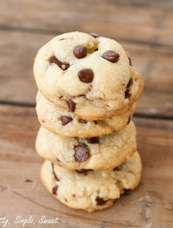 Soft Vanilla Pudding Chocolate Chip Cookies | prettysimplesweet.com