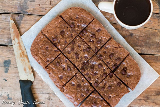 Classic fudgy brownies - all you need is just one bowl and 15 minutes of your time! | prettysimplesweet.com