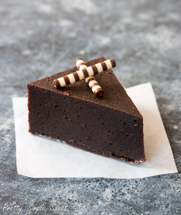 Flourless Chocolate Fudge Cake | prettysimplesweet.com
