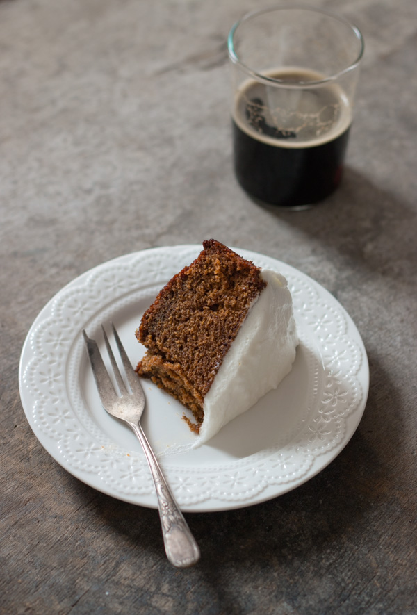Spiced, old-fashioned gingerbread cake
