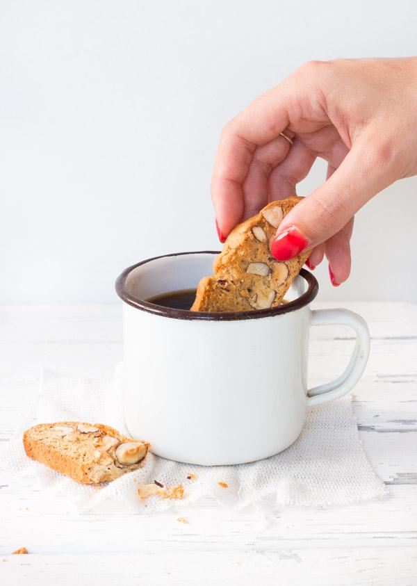 Almond Biscotti | prettysimplesweet.com