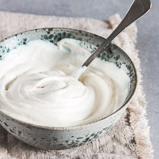 Best ever cream cheese frosting | prettysimplesweet.com