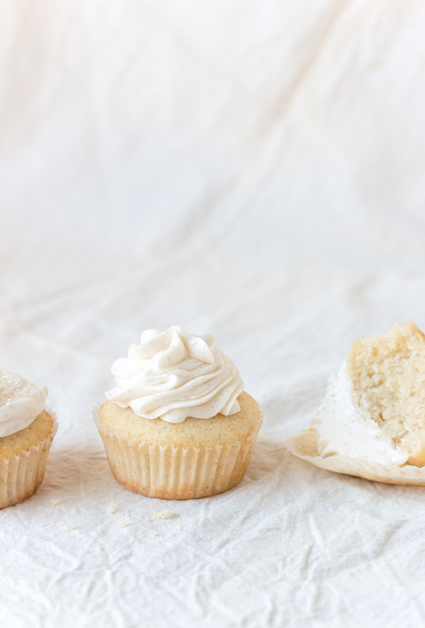 Easy vanilla cupcake recipe 12