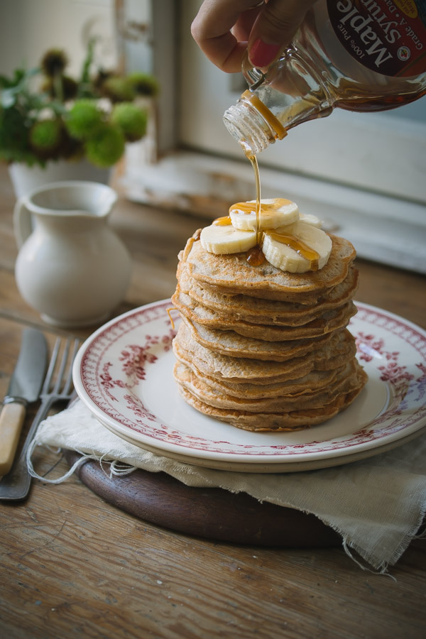 Healthy, fluffy and thick banana pancakes that taste incredible! | prettysimplesweet.com
