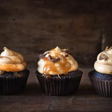 Chocolate Peanut Butter Cupcakes | prettysimplesweet.com