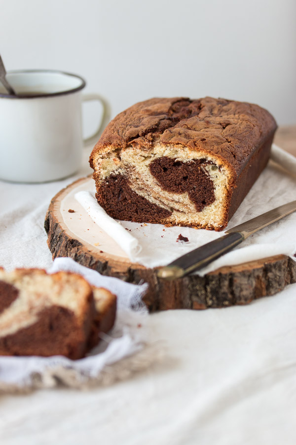 Easy Chocolate and Vanilla Marble Cake | prettysimplesweet.com