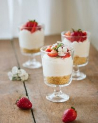 Individual No-Bake Cheesecake | prettysimplesweet.com