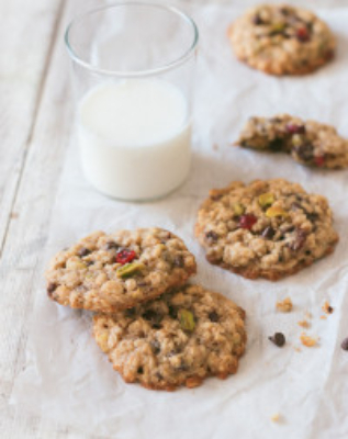 Chewy Oatmeal Cookies | prettysimplesweet.com