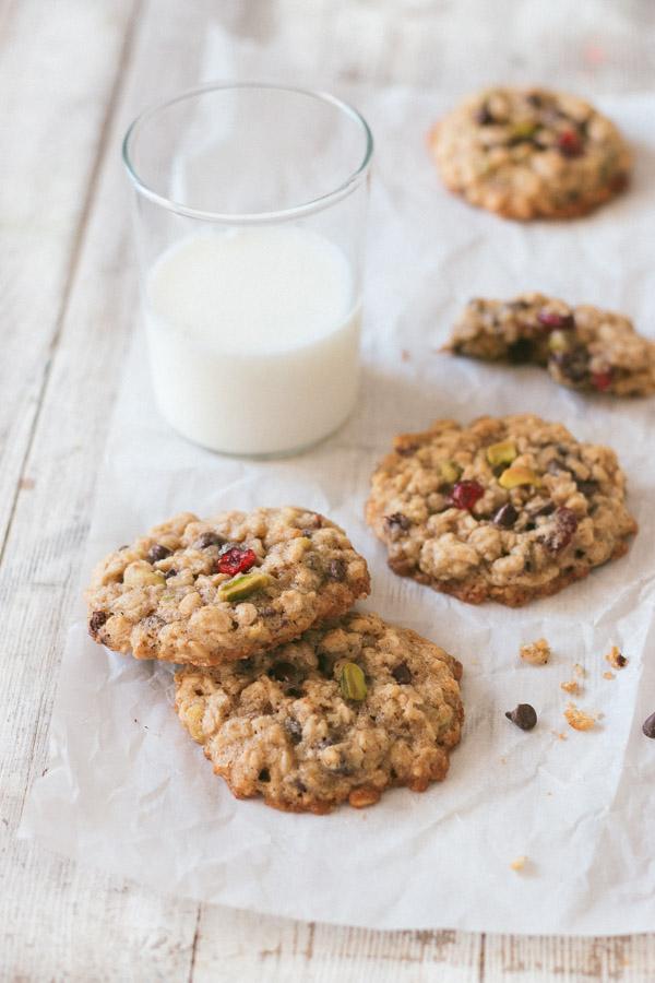 Chewy Oatmeal Cookies | prettysimplesweet.com