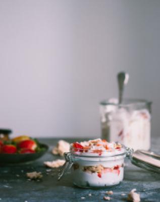 Eton Mess (mixture of strawberries, meringue and whipped cream) | prettysimplesweet.com