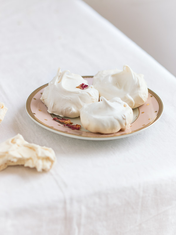 Perfect White Meringues | prettysimplesweet.com