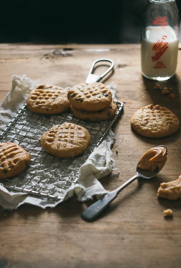 Classic Peanut Butter Cookies | prettysimplesweet.com
