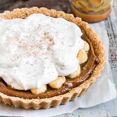 No-Bake Banoffee (bananas and toffee) Pie | prettysimplesweet.com