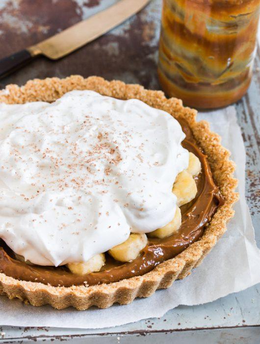 No-Bake Banoffee (bananas and toffee) Pie | prettysimplesweet.com