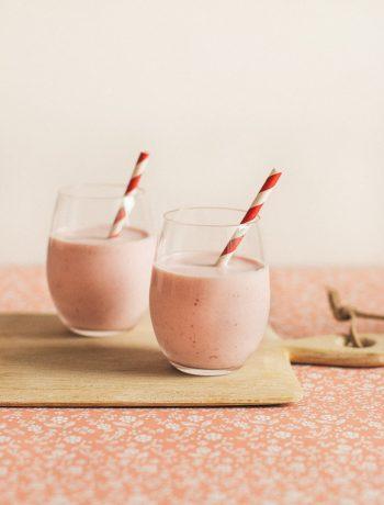 White Chocolate Strawberry Smoothie   prettysimplesweet.com