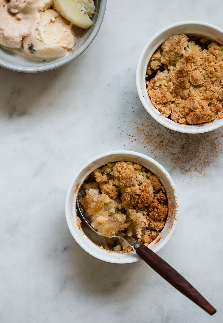 5-Ingredient Individual Apple Crumble
