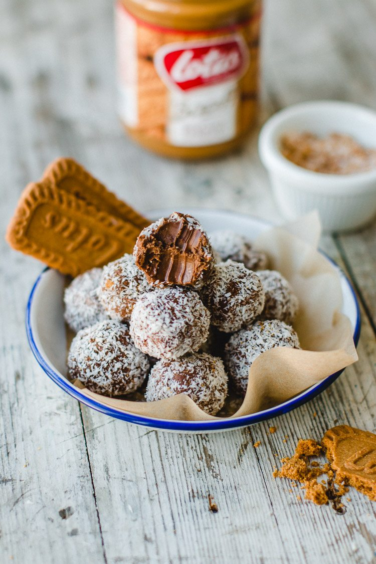 4 Ingredient Chocolate Biscoff Truffles
