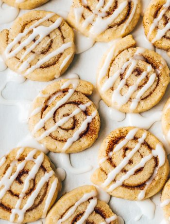 Buttery cinnamon roll sugar cookies that look and taste just like cinnamon rolls!