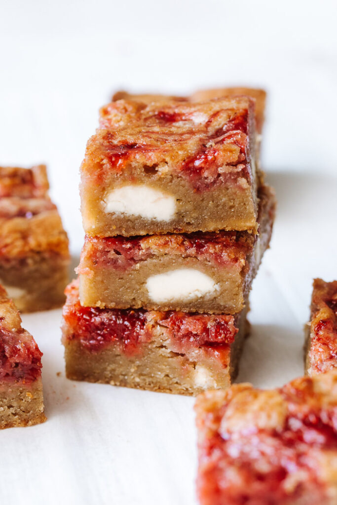 Strawberry White Chocolate Bars